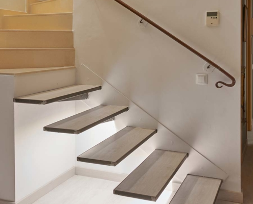 Escalera flotante